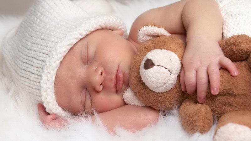 پرتو نوزاد پارس | خواب نوزاد چگونه باید باشد