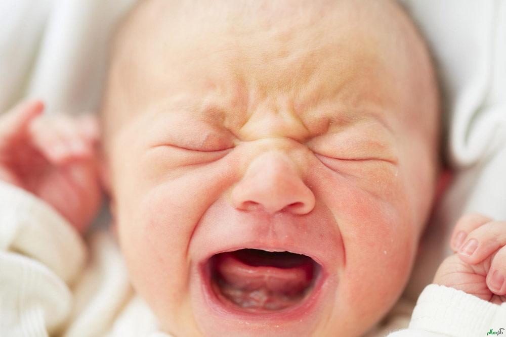 پرتو نوزاد پارس | دلایل گوش درد نوزاد
